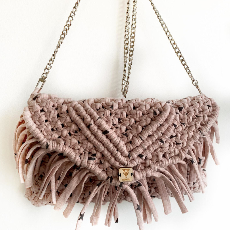 Macrame Pink T-shirt Yarn with Black Stars Clutch